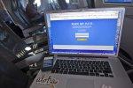 laptop w trakcie pracy